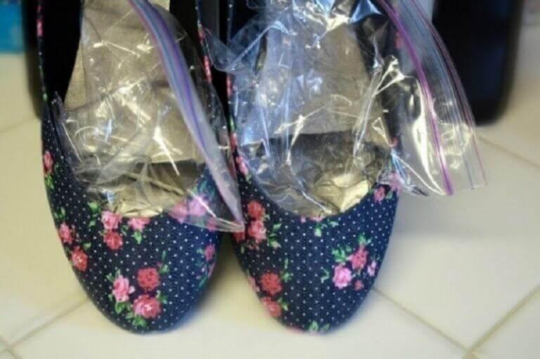 vesipussit kengissä