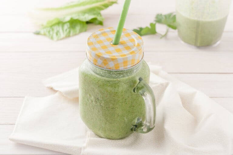 vaaleanvihreä smoothie