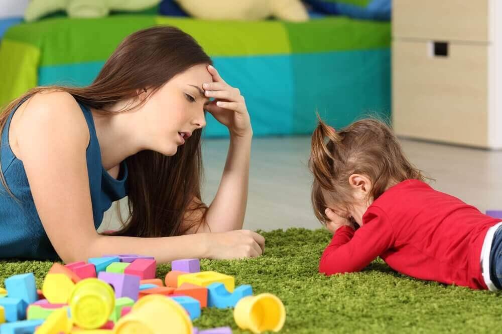 äiti ja rikkaan lapsen syndrooma tytöllä
