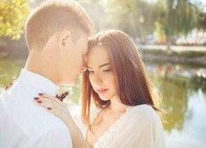 halaileva mutta apea pari