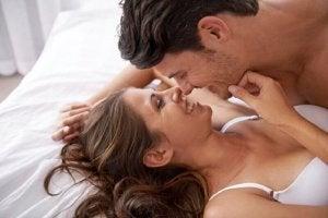 Kuinka naisen nännejä stimuloidaan oikein?