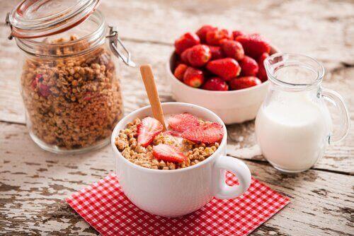 Älä jätä aamiaista syömättä.