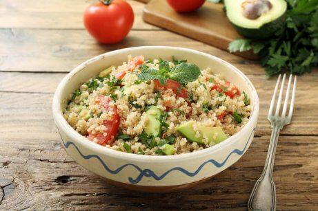 helpot illallisvinkit: kvinoa