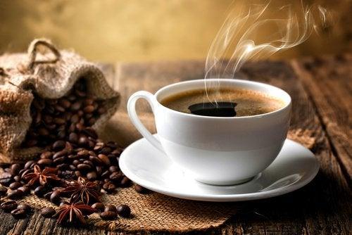 kahvi on hyvä luonnollinen laksatiivi