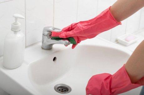 Yksi yleinen virhe kylpyhuoneen puhdistamisessa on tuulettymisen puute.