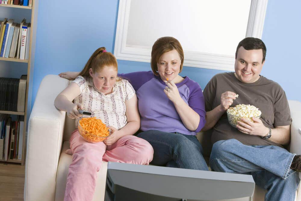 erilaista liikalihavuuden tyyppiä: perinnöllinen liikalihavuus