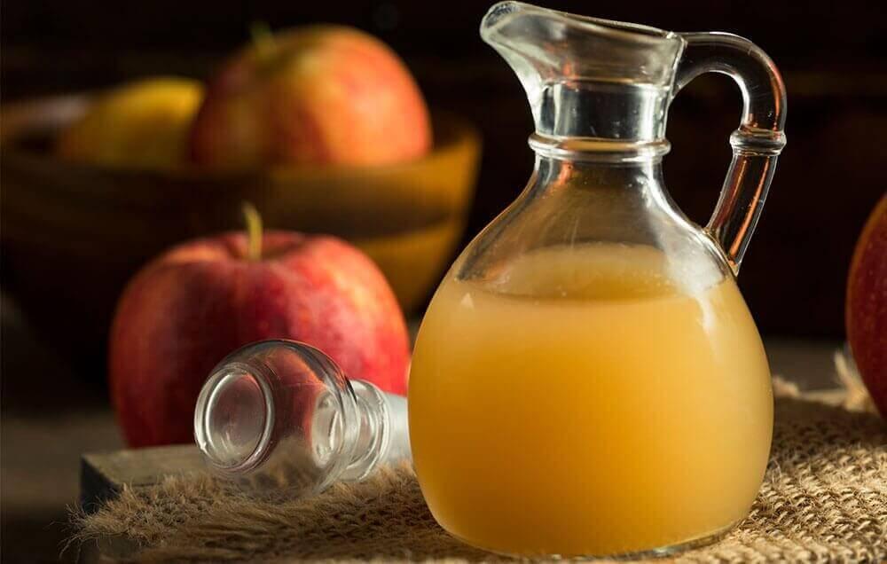 kokeile kotikonstia silmätulehdukseen: omenaviinietikka