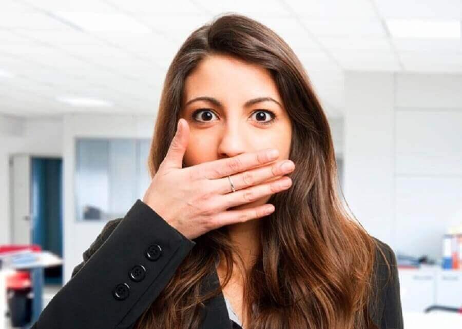 pahanhajuinen hengitys - kurkussa proppuja?