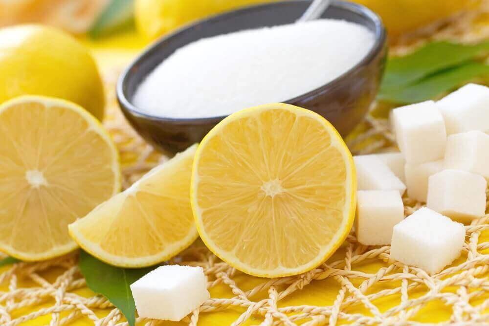 kuinka käytät sitruunaa ja sokeria