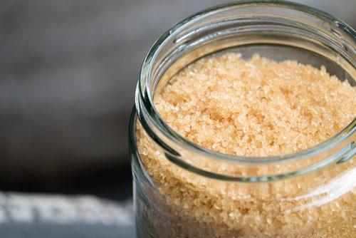 sokerista saa hyvää kuorinta-ainetta mustapäiden poistoon