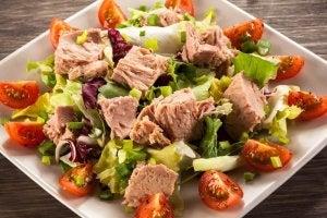 proteiinipitoista ateriaa tonnikalasta