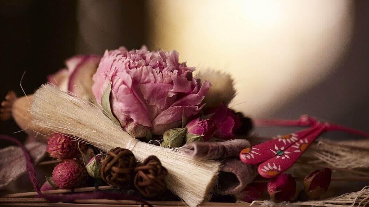 silikageeli ja kukkien kuivatus