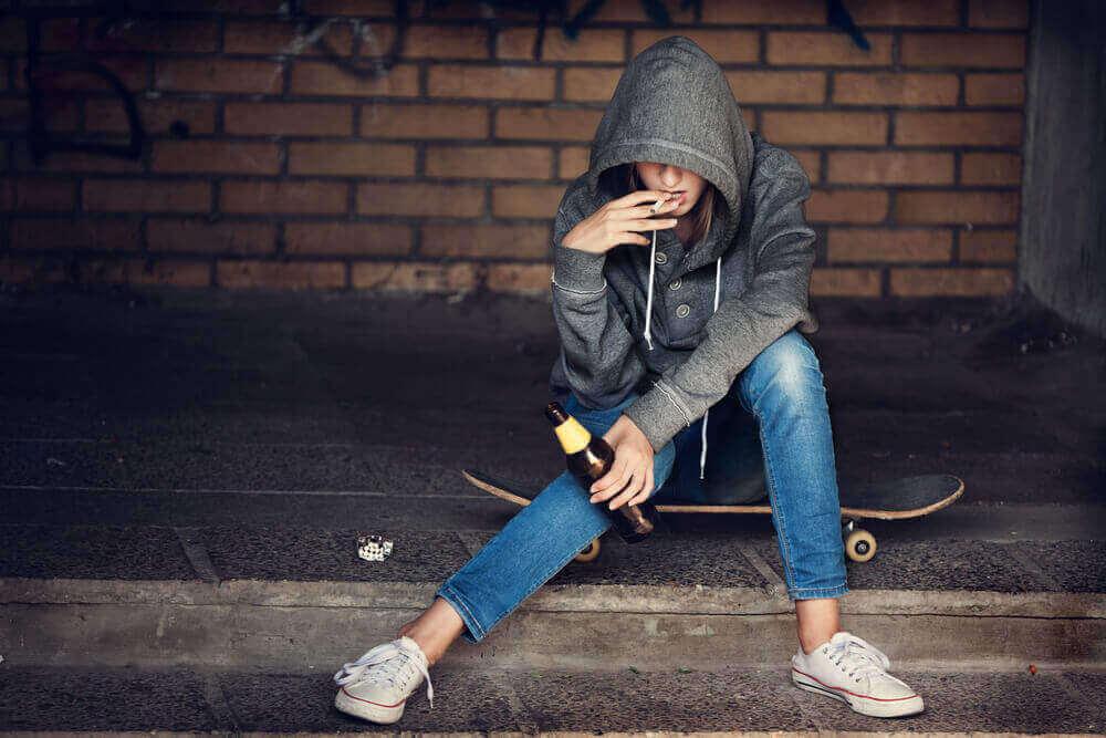 Teini-ikä sisältää usein kapinointia.