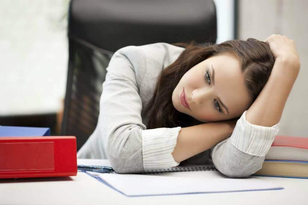 väsymys tai apaattisuus