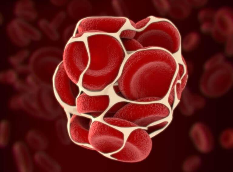 K-vitamiini huolehtii veren hyytymisestä.
