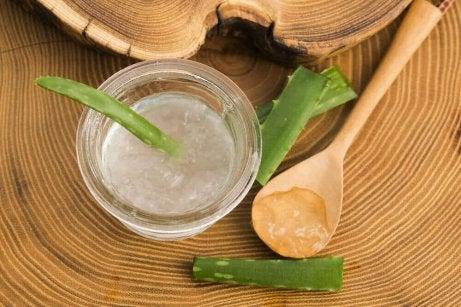 Aloe veralla on sientä poistavia ominaisuuksia.