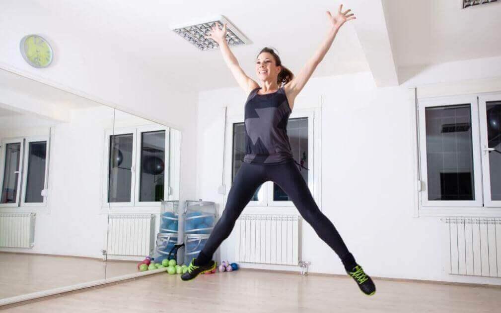 haarahypyt ovat vartaloa muokkaavaa treeniä