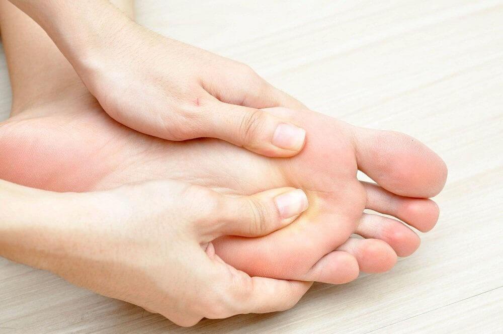 diabeetikon jalkaongelmat: jalkojen tarkistaminen