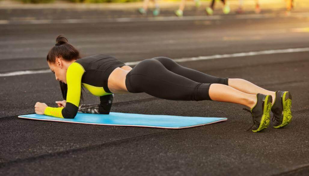 5 helppoa vartaloa muokkaavaa harjoitusta, jotka voit tehdä kotona