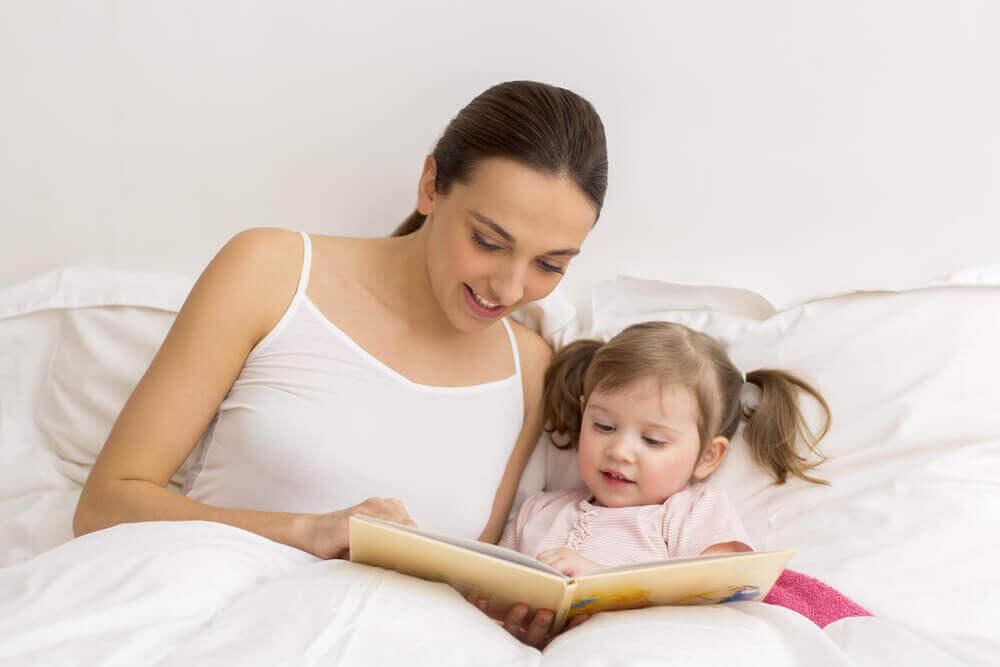 lue pikkuiselle kirjoja