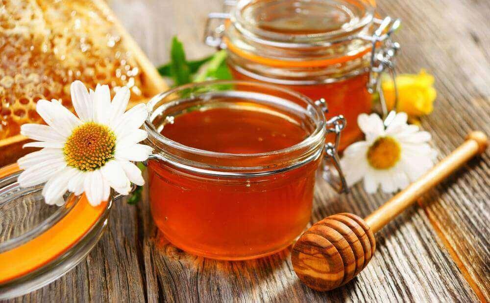 hunajaa aknearpiin