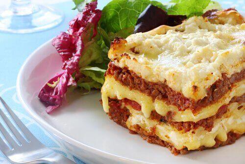 Kaksi helppoa tapaa valmistaa lasagnea