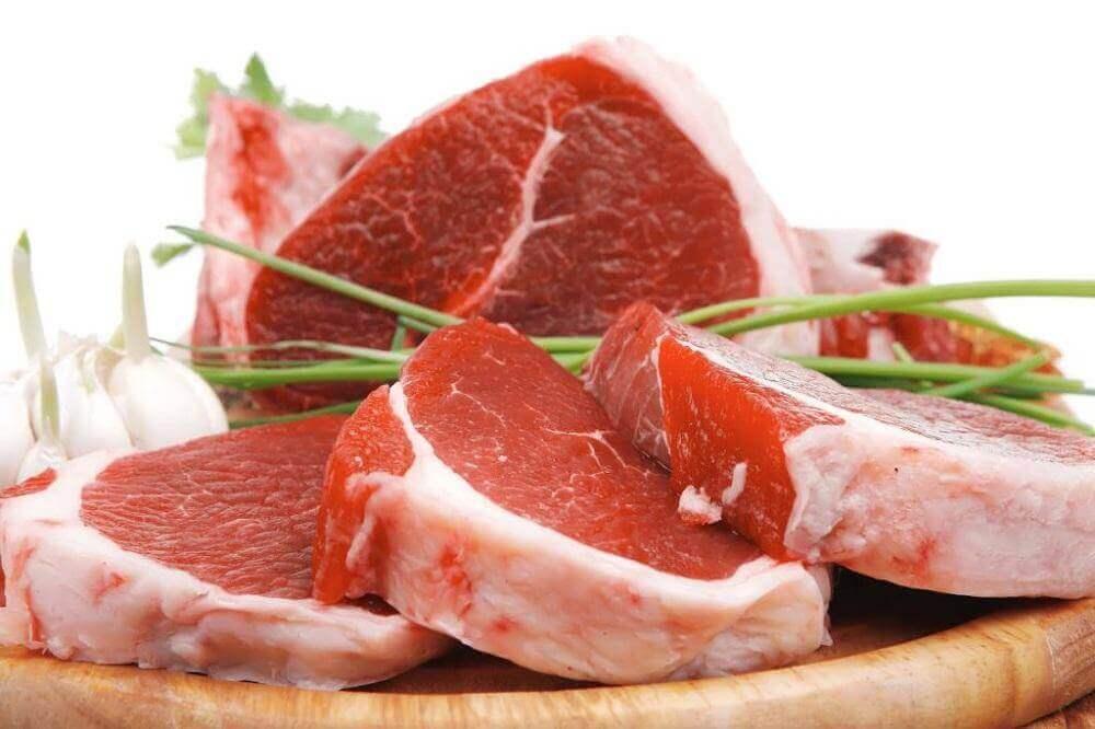 raakaa punaista lihaa