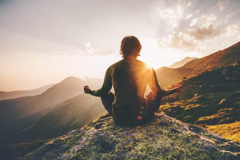 kerää positiivista energiaa meditoimalla