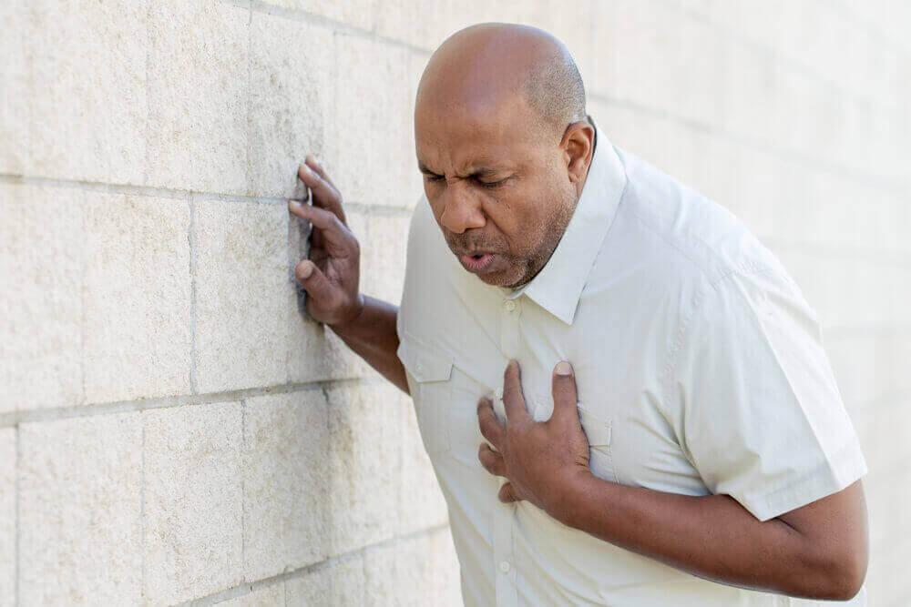 Esimerkiksi tukkeutunut verisuoni voi aiheuttaa sydäninfarktin.
