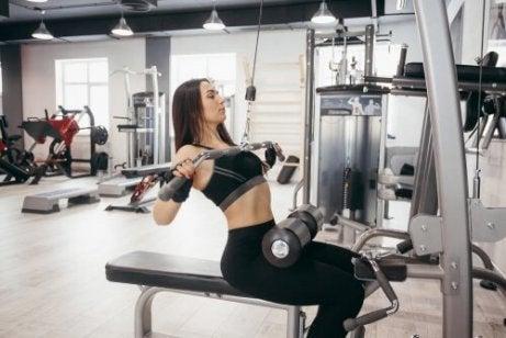 Voit nopeuttaa aineenvaihduntaa kasvattamalla lihasmassaa.