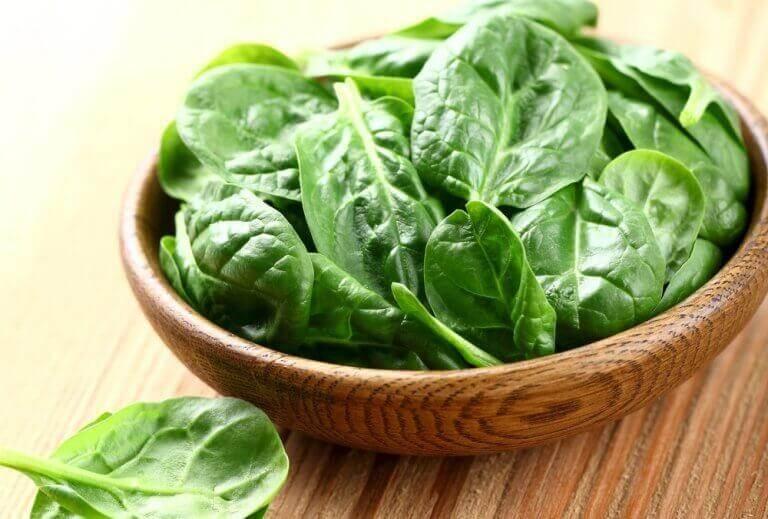 Valmista herkullista ruokaa pinaatista - 4 reseptiä