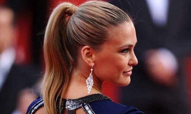 nämä hiusmallit ovat muodissa: pitkät hiukset poninhännällä