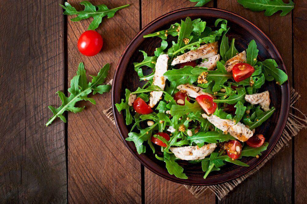 kurkumareseptit: salaatinkastike