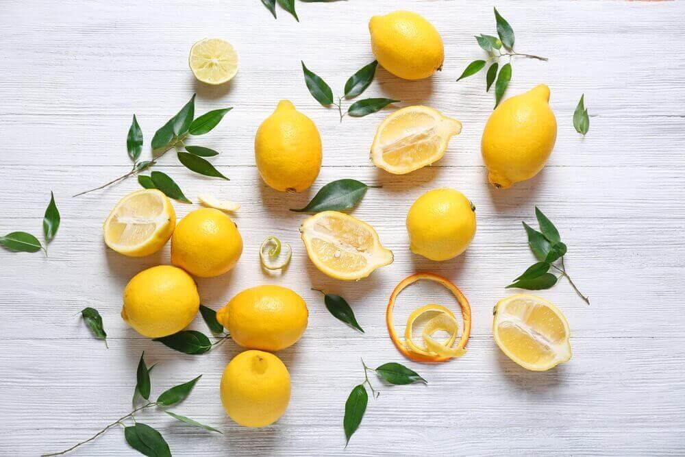 Sitruunoiden terveyshyödyt ja niistä valmistetut hoidot