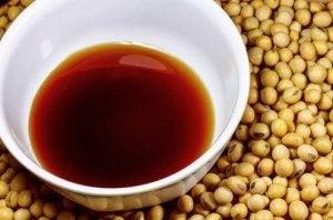kiinalainen riisi ja soijakastike