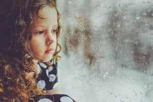 Mitä tapahtuu, jos lapsi jää vaille rakkautta?