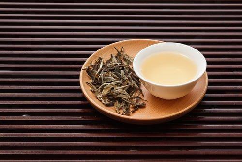 valkoinen tee ja painonpudotus