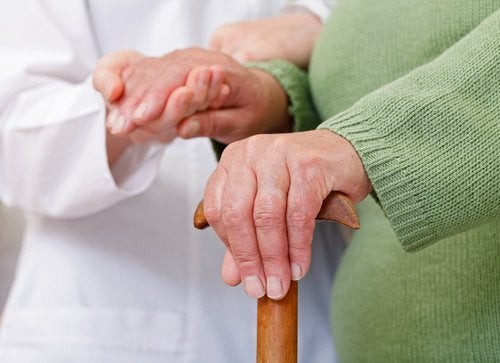 hoida vanhuksen nivelreumaa