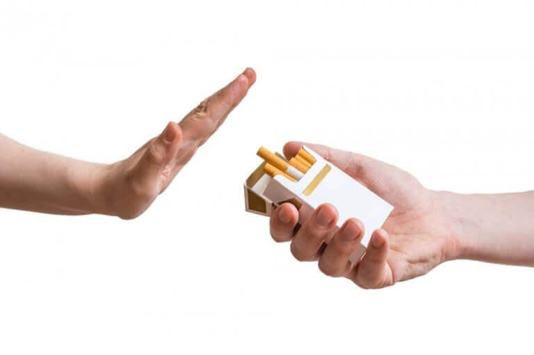 sano ei tupakalle