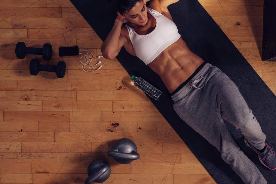 elämänlaatua kohentavia treenejä: tee vatsalihasliikkeitä