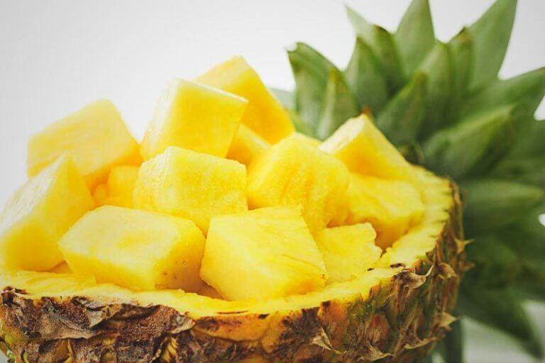 Tehokkaita luontaishoitoja ananaksesta