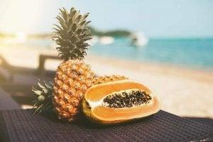 ananas ja papaija