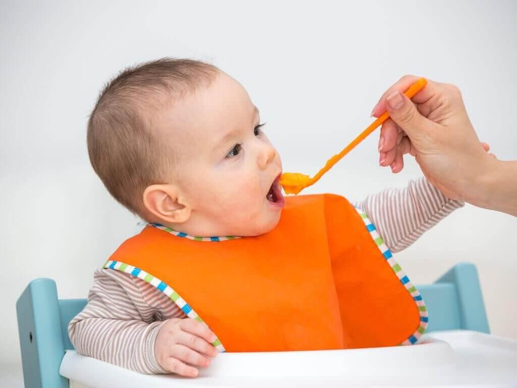 Vauva hyötyy hedelmäsoseista