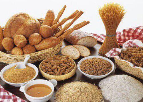 Täysjyväviljoista saat hiilihydraatteja.