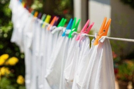 pyykkien kuivatus ulkona
