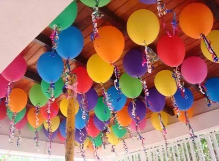 voit koristella ilmapalloilla katon