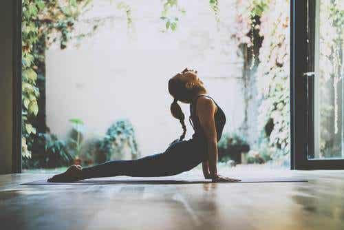 Jooga-asento apuna painonpudotuksessa