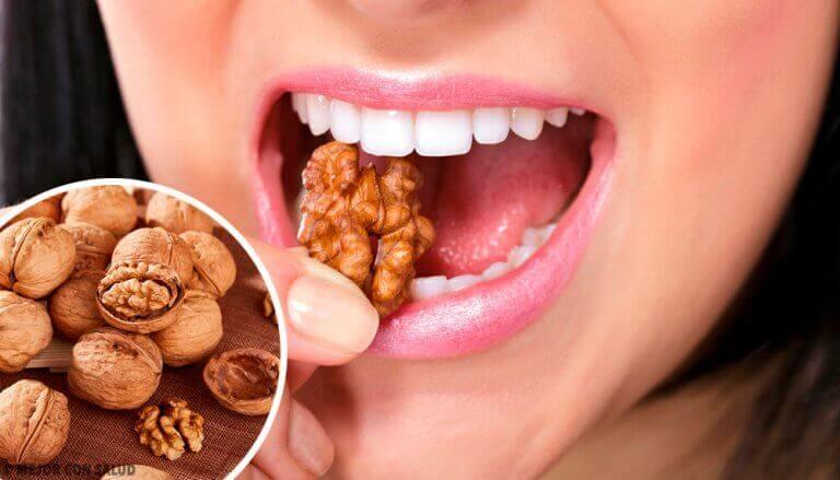 ala vähentämään kuukautisvuotoa syömällä pähkinöitä