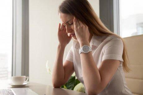 kuukautiset myöhässä stressin takia