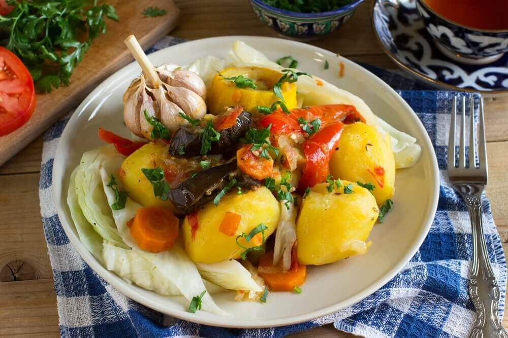 perunaa ja vihanneksia